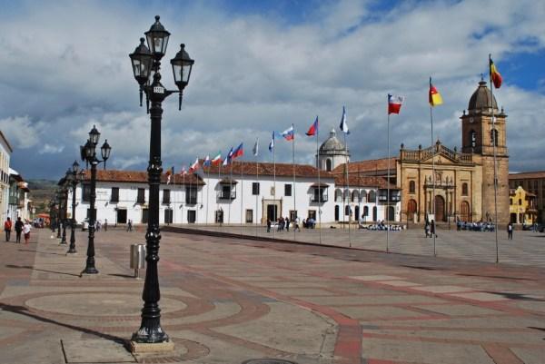 La piazza principale di Tunja: la casa di Juan de Vargas è nella strada sulla sinistra della foto