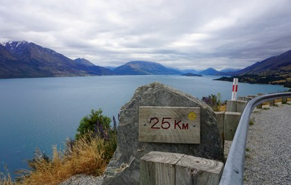 Lake Wakatipu (strada Queenstown- Glenorchy)