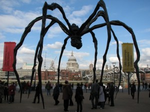 Louise Bourgeois - Maman - London Tate Gallery