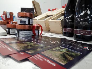 """Perchè in Abruzzo """"se magna e se beve"""" bene. Mercatini di L'Aquila.  Natale 2016. Foto: Costanza"""