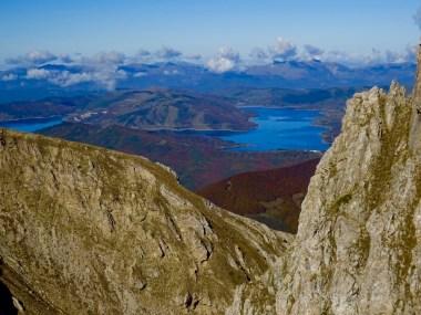 Lago di Campotosto visto da Monte Corvo. Foto: Valeria De Simone