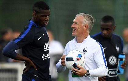 Ridi, ridi Deschamps che se la Francia avesse un allenatore come si deve, riderebbero meno gli altri