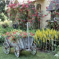 Vintage Furniture and Garden Decor, 12 Charming Backyard Ideas