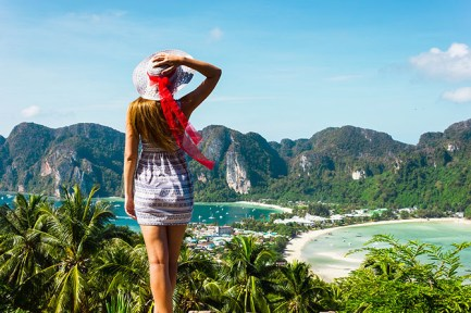 Long-Beach-Phi-Phi-Islands-White-Sand-Paradise