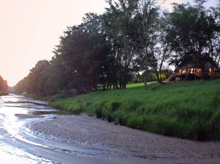 Rhino-River-Lodge--Exclusive-African-Escape