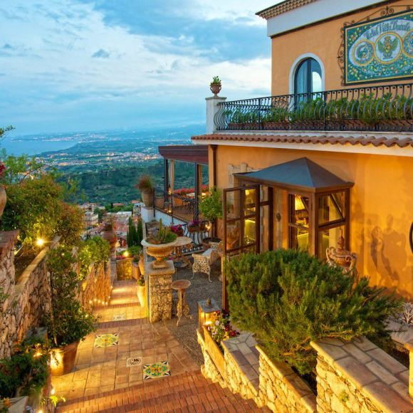Villa Ducale, Sicilly