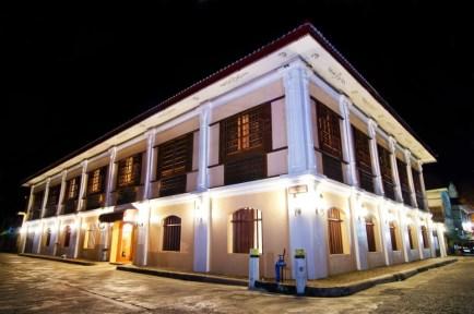 luxeinacity hotel felicidad philippines