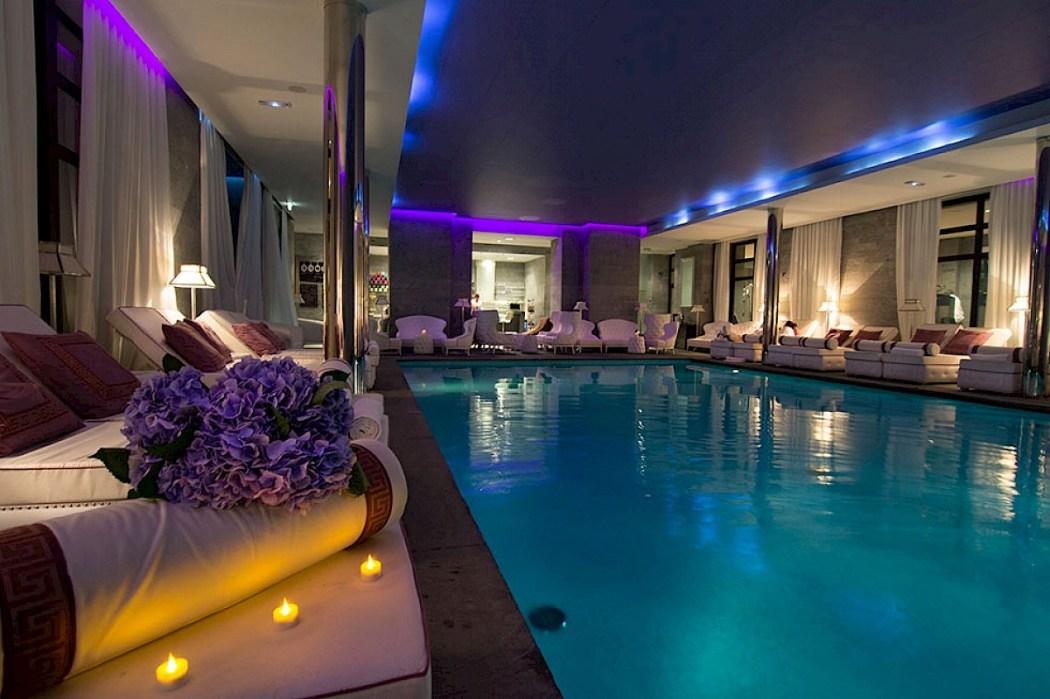 Les bains de l a luxsure for Bains de lea paris