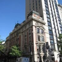 Fifth Avenue in New York ist nach wie vor die teuerste Shoppingmeile der Welt