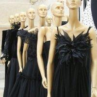 "London: Ausstellung ""The Glamour of Italian Fashion"""