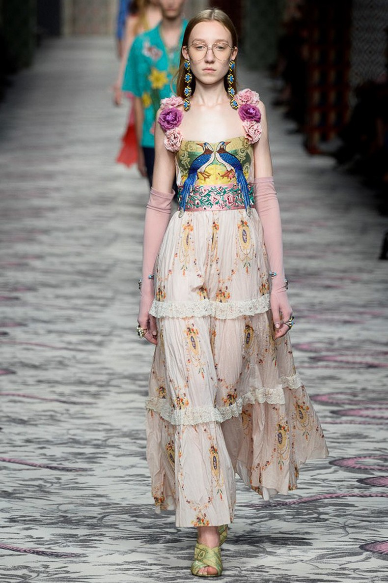 Gucci Spring 2016 RTW Collection look 17