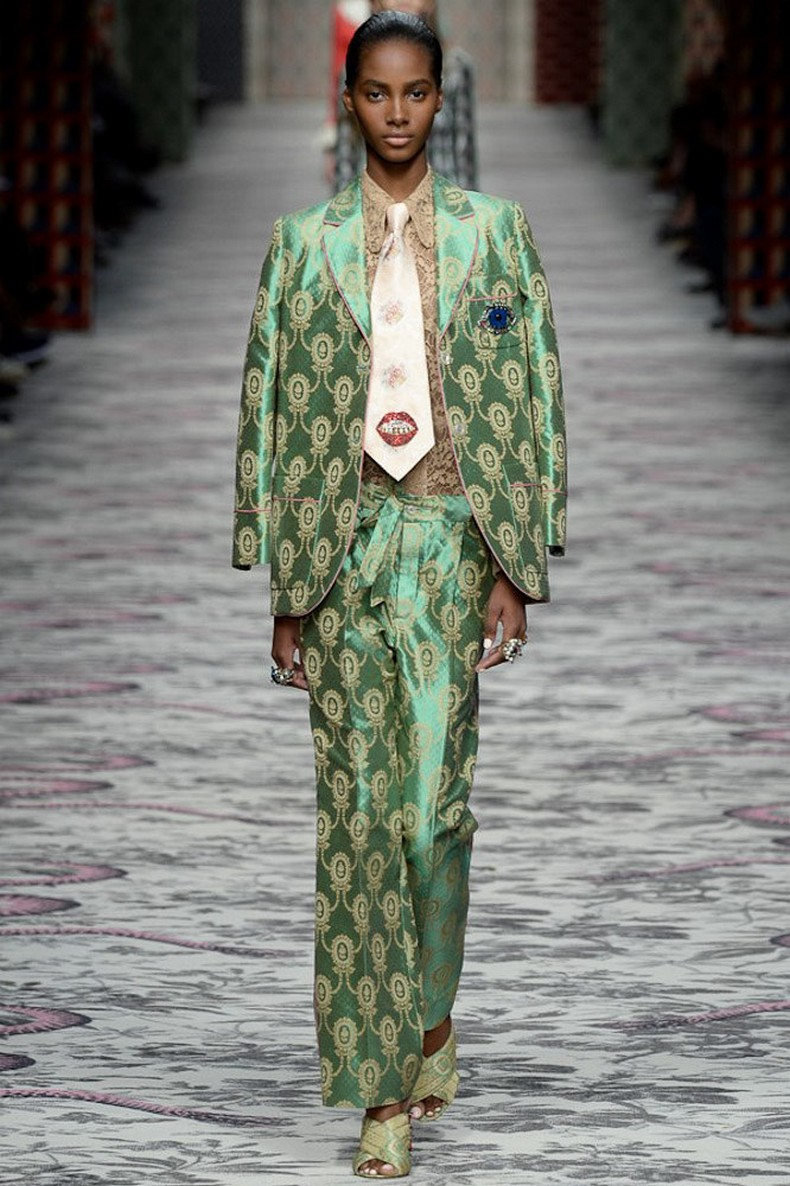 Gucci Spring 2016 RTW Collection look 28