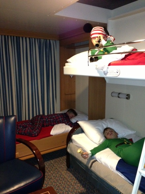 Gallery For Disney Cruise Rooms For 4