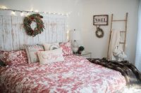 Our Bedroom holiday decor // Bedroom Wall Decorations