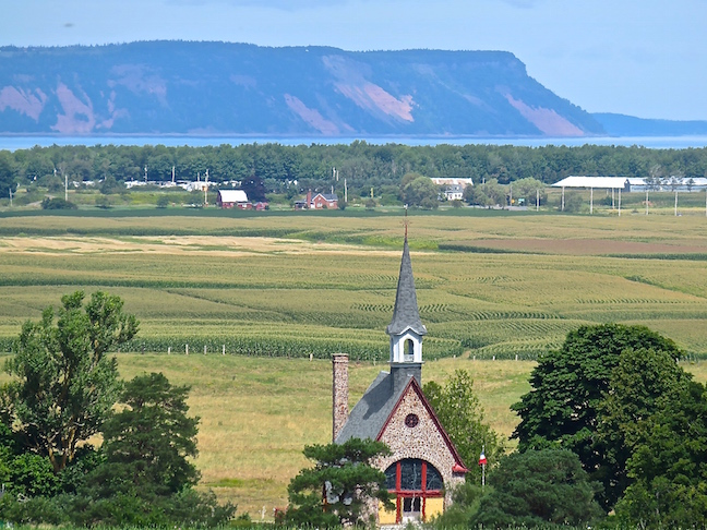The lush Annapolis Valley stretches to the Bay of Fundy from the Unesco lookout.