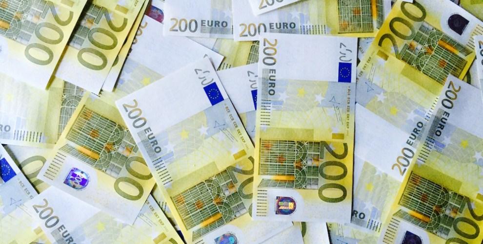 Euros-200-Money