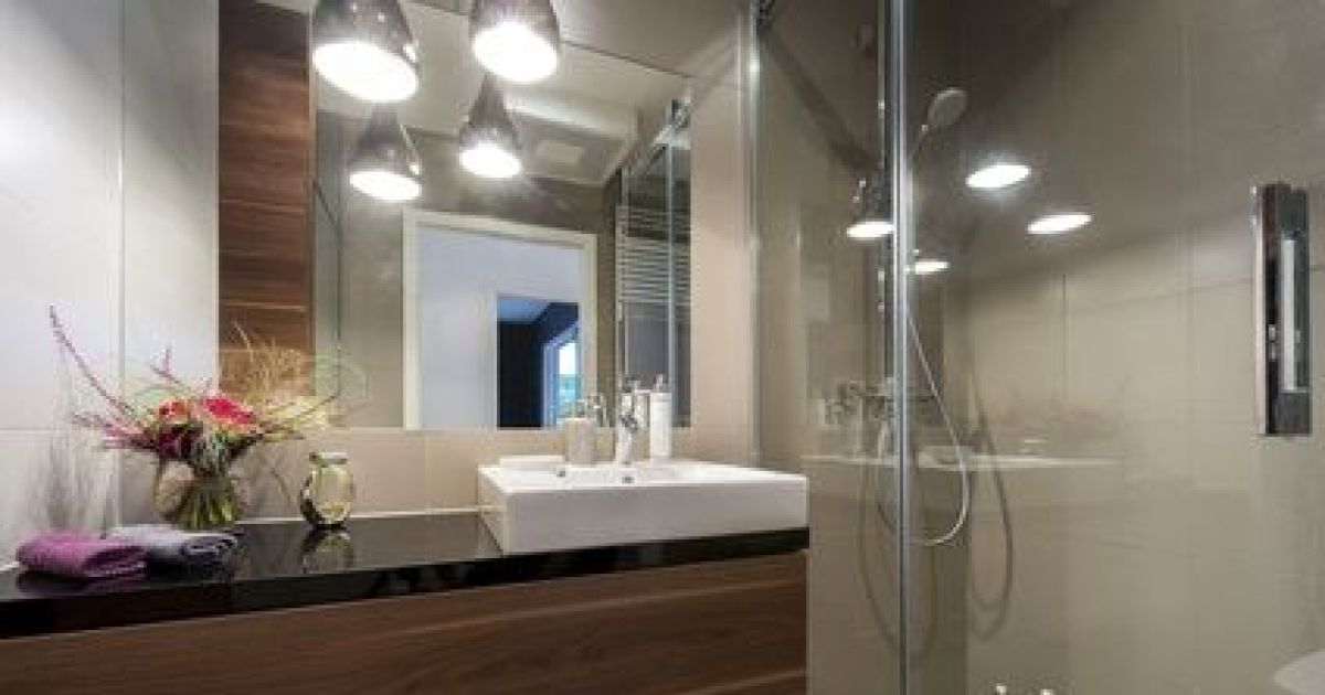 Le plan de travail de salle de bain  caractéristiques, pose, matières