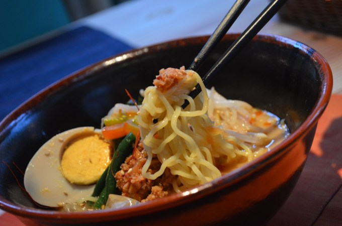 レストラン神割「タコ味噌担々麺」