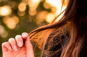 What Your Kind Of Split End Is Trying To Tell You About Your Hair Damage
