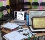معلمة تجهز غرفة متطورة لتدريس اللغة العربية على حسابها الخاص