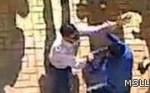 بالفيديو.. مدرس مصرى يعذب التلاميذ