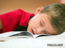 استشارية: النوم ليلة الامتحان يساعد على الحفظ