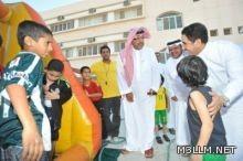 وزير التربية يقوم بجولة مفاجئة على النوادي الصيفية بجدة