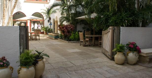 Petite cour intérieure - Via Mizner - Worth Avenue - Palm Beach - Floride