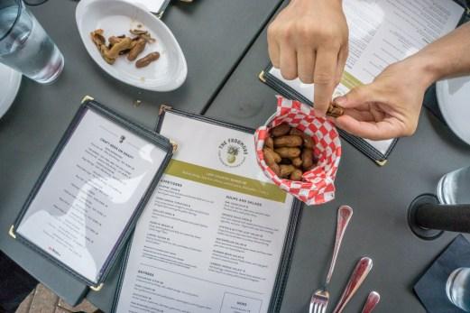 Cacahuètes bouillies - Frogmore Jamaica Plain Boston-1