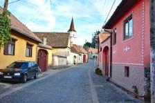 Eines vieler malerischer kleiner Dörfer in Transilvanien