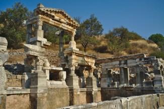 Ephesos: Das Nymphaeum oder der Brunnen