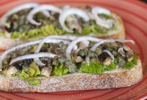 Sardine and Avocado Sandwich