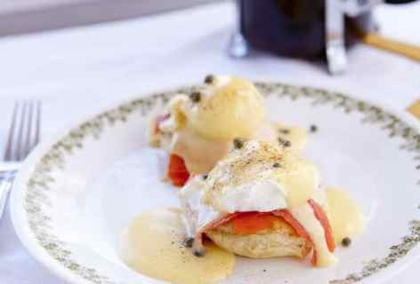 Smoked Salmon Benedicts