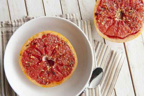 Spicy Broiled Grapefruit