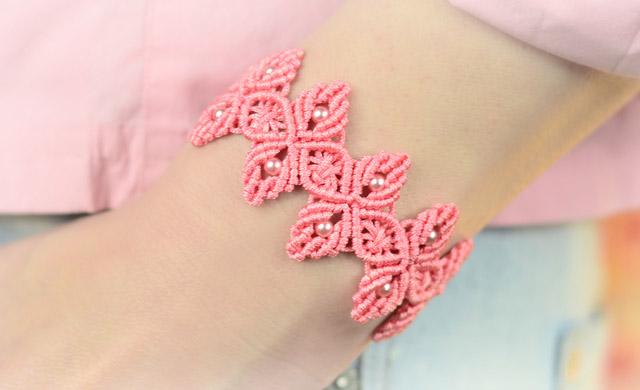 Macrame Flower Petal Bracelet Tutorial