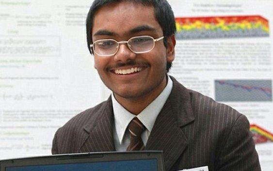 Shouryya Ray, estudiante de 16 años resuelve un problema planteado por Isaac Newton en el siglo XVII