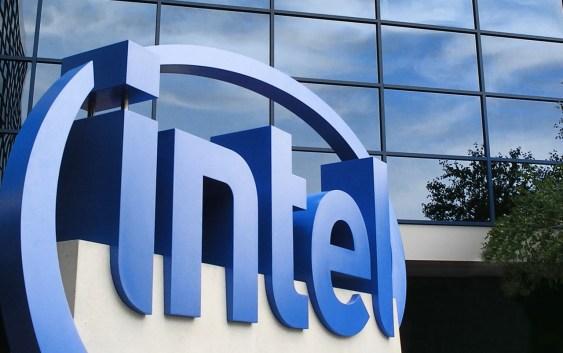 Intel reporta ingresos de $55,4 mil millones en el año completo, ingresos netos de $11,4 mil millones