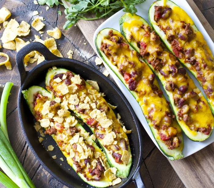 These are SO GOOD! Chili Cheese Stuffed Zucchini Boats! A lighter, healthier spin on a classic!
