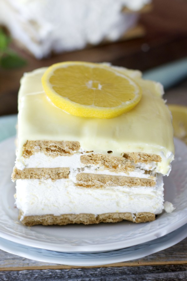 This quick and easy Lemon Icebox Cake has just six ingredients! This ...