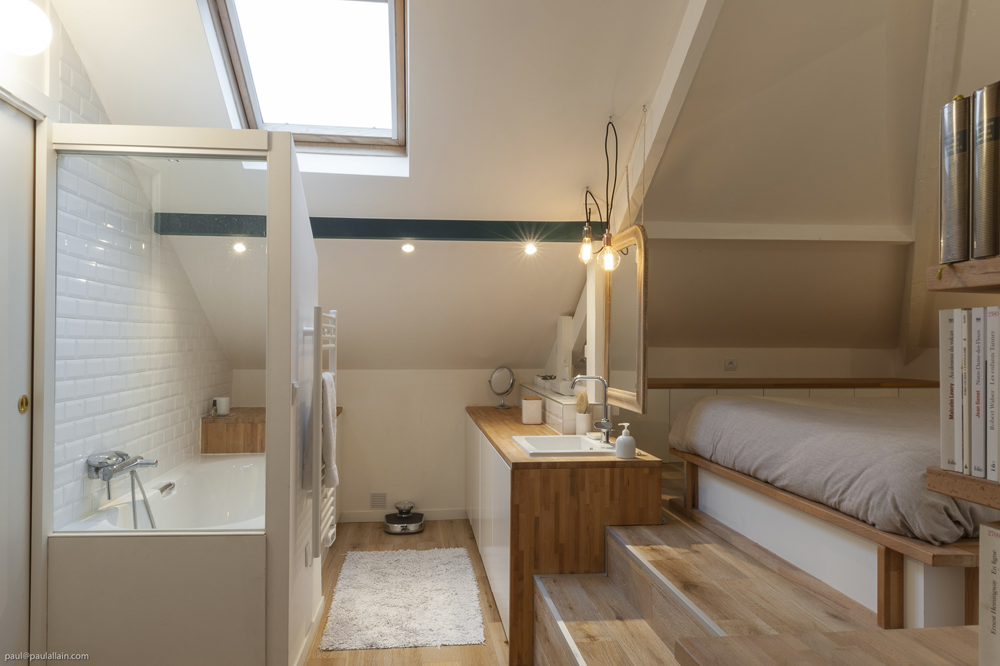 Des salles de bain  sous les combles - maéma architectes