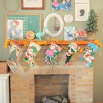 {Noteworthy Links — Christmas mantle, traveling with little ones + sponsor links/discount codes}