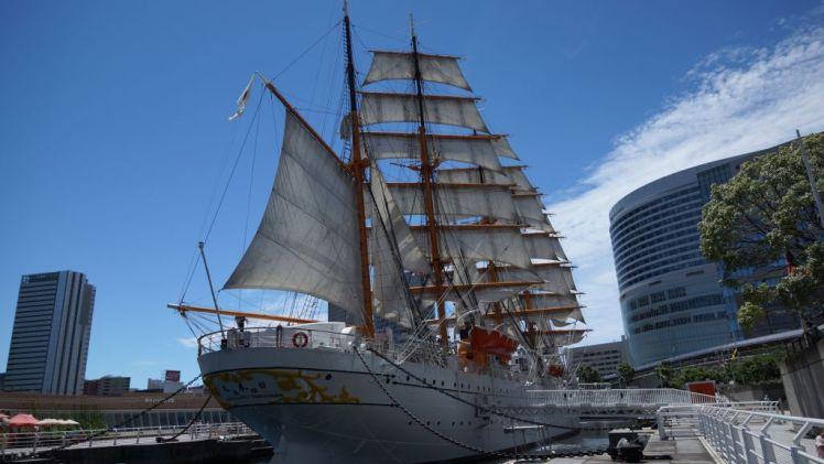 帆船日本丸の後姿