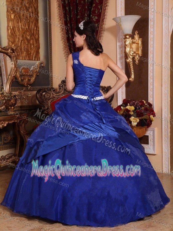 Single Shoulder Beading and Flower Sweet Sixteen Dresses