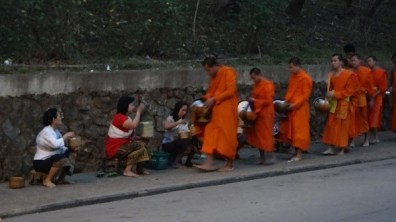Luang Prabang - Sunrise Alms Giving