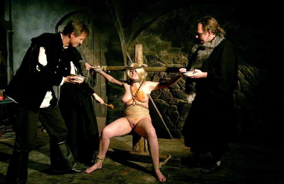 Bondage Women Medieval Tortures