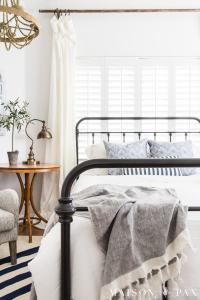 Blue and White Bedroom Ideas for Summer - Maison de Pax