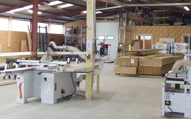 Atelier fabrication maison ossature bois alternative for Fabricant maison ossature bois