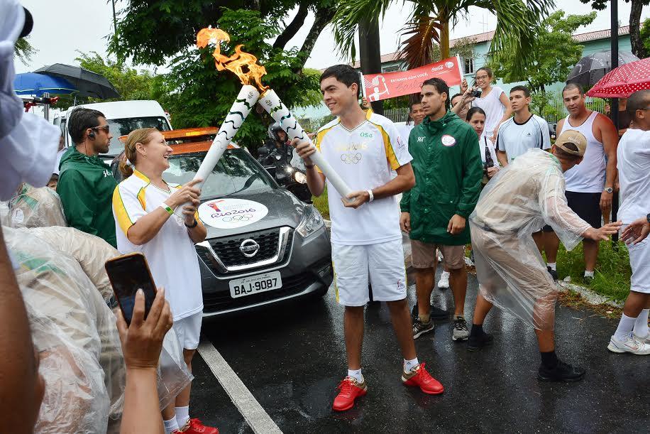 Tocha olímpica passa por João Pessoa e é conduzida por 144 pessoas