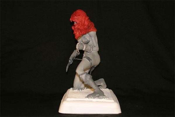 Red-Sonja-Hughes-Statue-3.jpg