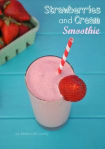 Strawberries and Cream Smoothie Recipe with Coffee-Mate